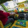 Brazil: Không khí bóng đá tràn ngập khắp hang cùng ngõ hẻm