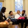 Con gái Obama bị cấm dùng facebook và phải trông trẻ để kiếm tiền