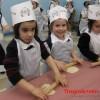 Trẻ em Do Thái 5 tuổi phải 'làm thêm' kiếm tiền thì thanh niên Việt 20 tuổi vẫn được dạy
