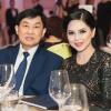 """Những """"bóng hồng"""" tài sắc vẹn toàn phía sau các đại gia Việt"""