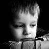 Trẻ sinh ra trong 3 kiểu gia đình này, đa phần đều sẽ rất nhu nhược và hèn nhát, làm cha mẹ nên vì con mà tránh