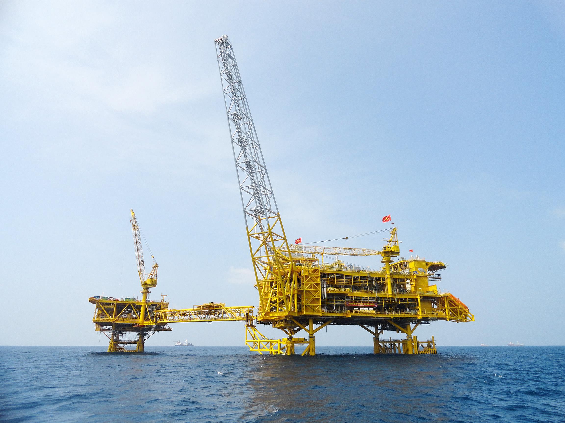 Nếu giá dầu dưới 35 USD/thùng, doanh thu PVN giảm 3 tỷ USD