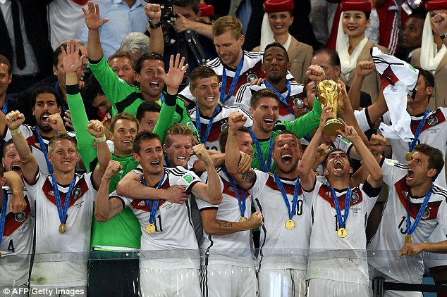 Tạm biệt World Cup 2014. Dẫu còn nhiều câu chuyện đằng sau, giải bóng lớn nhất hành tinh năm nay đã diễn ra khá thành công.