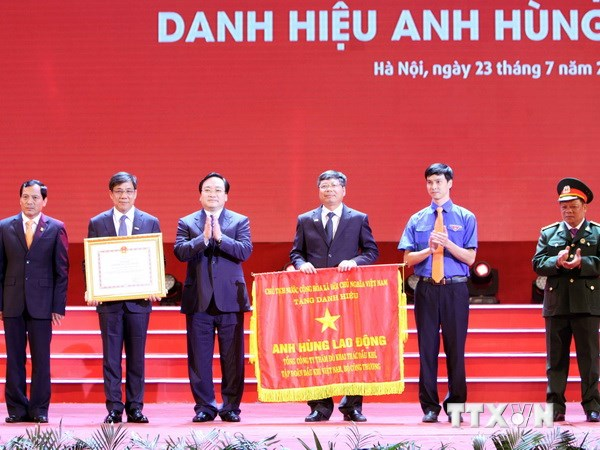 pvep don nhan anh hung lao dong