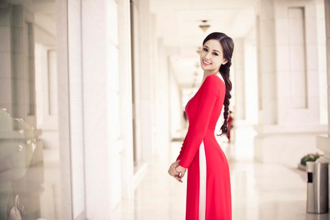 """Những hoa hậu Việt Nam """"đem chuông đi đánh xứ người"""""""