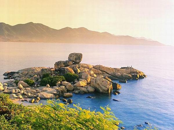 20 bãi biển Việt Nam quyến rũ khách Tây