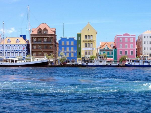Ngắm nhìn 10 thành phố rực rỡ nhất thế giới