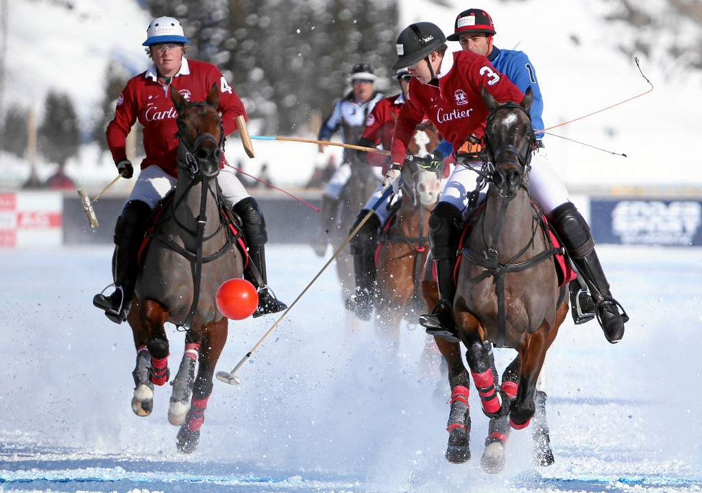 Đội Cartier thắng hat-trick trong giải Snow Polo World Cup 2015