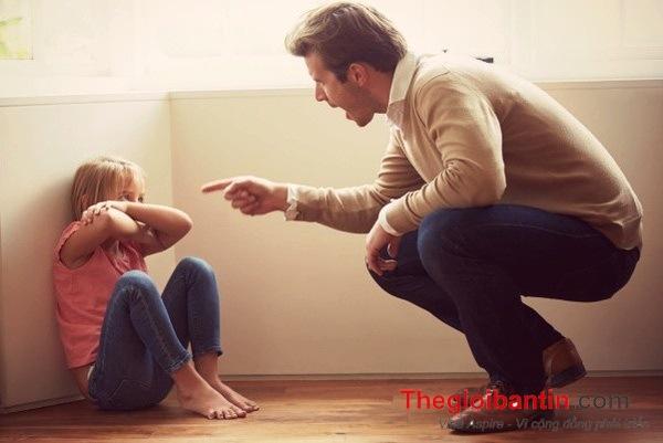 Cha mẹ thường xuyên la mắng con cái sẽ để lại hậu quả gì?