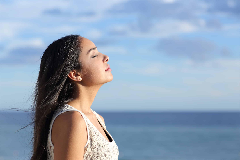 18 cách hữu hiệu giúp bạn bình tĩnh và giảm căng thẳng