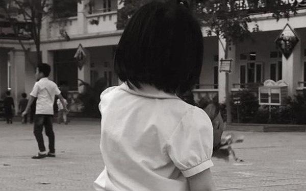"""""""Hà Huyên ơi Hà Huyên"""": Tâm thư hài đến chảy nước mắt của phụ huynh gửi đến bạn học con gái mình"""
