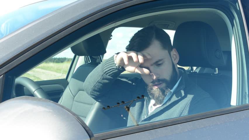 Phơi xe trời nắng nóng và những tác hại đáng gờm ngoài chuyện tróc sơn