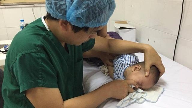 Chăm sóc trẻ bị viêm mũi họng cấp
