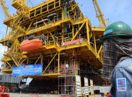 Video – Nhật ký HRD Hạ thủy giàn khoan dầu khí Việt Nam sản xuất cho Ấn Độ