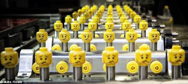 """Bị dọa """"anh sắp bị đuổi việc"""" vẫn kiên gan thuyết phục ban quản trị """"đại tu"""" công ty, một nhân viên """"quèn"""" được bổ nhiệm CEO và đưa Lego thoát khỏi vực phá sản đầy ngoạn mục"""