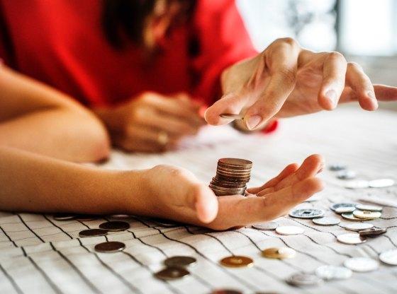 3 bài học cha mẹ nên dạy con về tiền