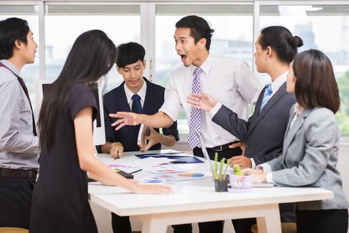 """Nguyên tắc vàng trong """"đối nhân xử thế"""" nơi công sở"""