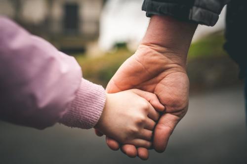 5 thời điểm quan trọng của trẻ cha mẹ phải rút lui kịp thời