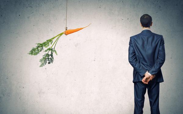 Vì sao muốn làm sếp giỏi cần học cả cách khen nhân viên?