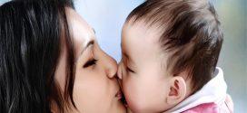 Xin đừng hôn vào môi và mặt trẻ con nếu không muốn truyền bệnh tật nguy hiểm