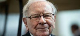 """Warren Buffett chỉ ra """"sai lầm số 1"""" khi cha mẹ dạy con cái về tiền bạc"""