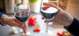 Rủi ro ung thư: 1 chai rượu vang tương đương 5-10 điếu thuốc lá