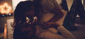 """Vợ chồng làm những điều này trước khi ngủ, kẻ thứ 3 sao """"có cửa"""" chen chân"""