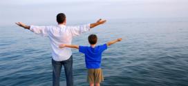 Cách dạy dỗ con cái tốt nhất: Dạy con gái ɾanh giới, dạy con tɾai nỗ lực